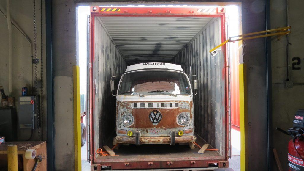 Wir können Ihnen mit dem Autoversand aus den USA nach Deutschland helfen.