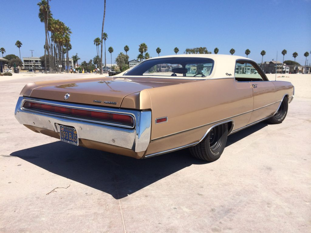 Wir helfen Ihnen, schöne und interessante American Cars zu finden. Du musst nicht in den USA sein!